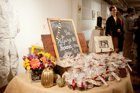 wedding favor ideas - Backyard Fall Wedding In The Mid West Los Angeles Wedding Planning